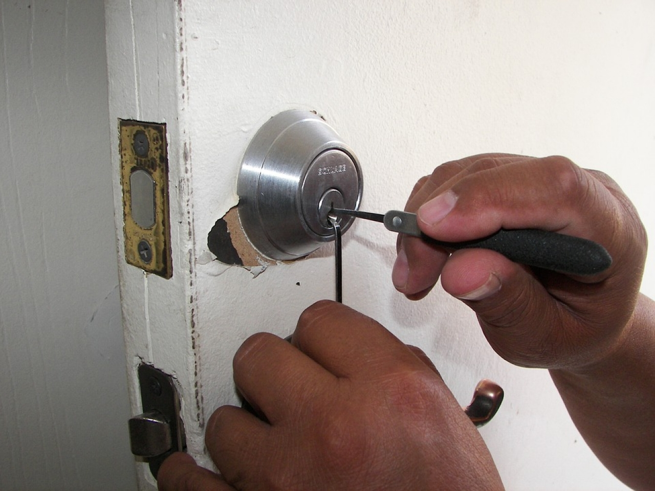Are You a Locksmith? We Want To Hear From You!